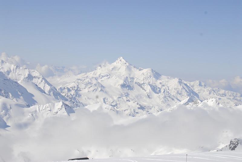 080502 1855 Russia - Mount Elbruce - Day 2 Trip to 15000 feet _E _I ~E ~L.JPG