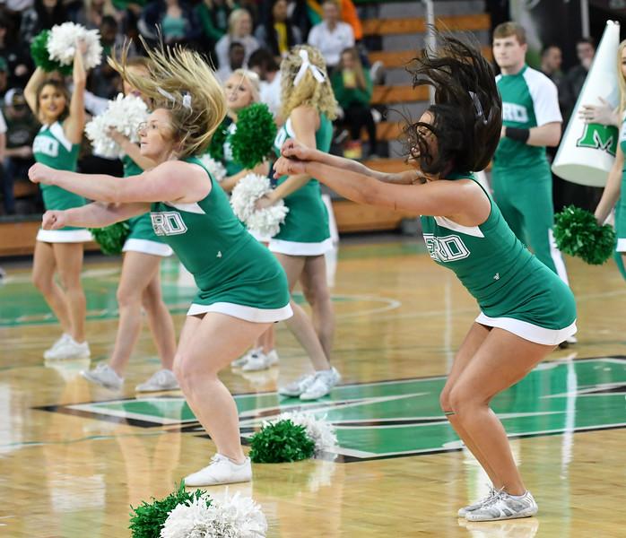 cheerleaders0331.jpg