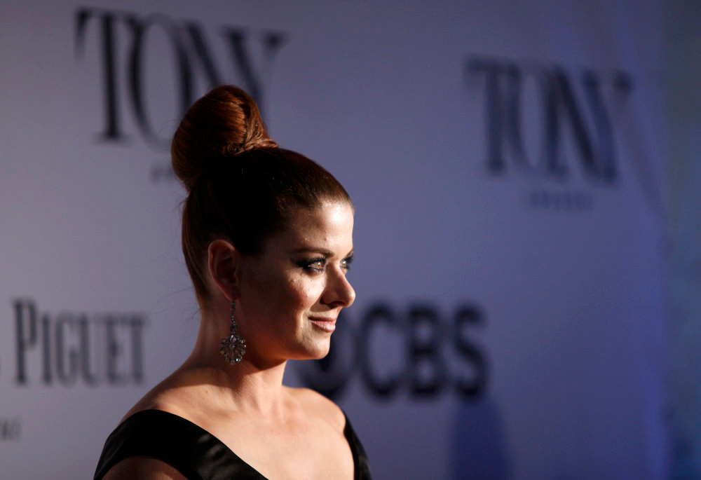 . Actress Debra Messing arrives at the American Theatre Wing\'s annual Tony Awards in New York June 9, 2013. REUTERS/Carlo Allegri