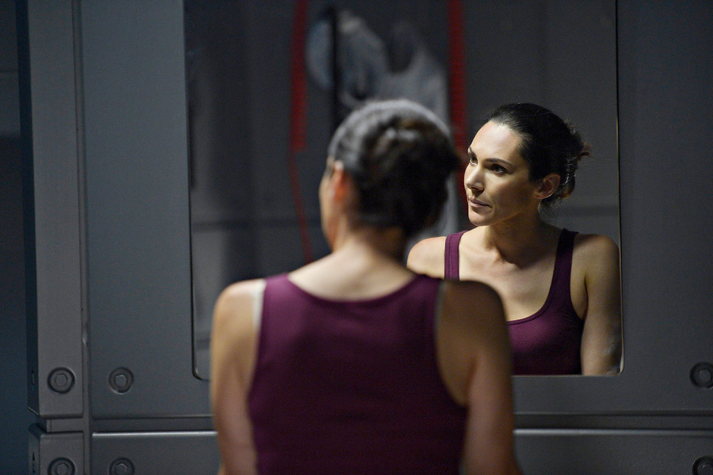 """. Kyra Zagorsky as Dr. Julia Walker in \""""Helix.\"""" The new thriller premiers Jan. 10 with back-to-back episodes on SyFy. (Photo by: Philippe Bosse/Syfy)"""