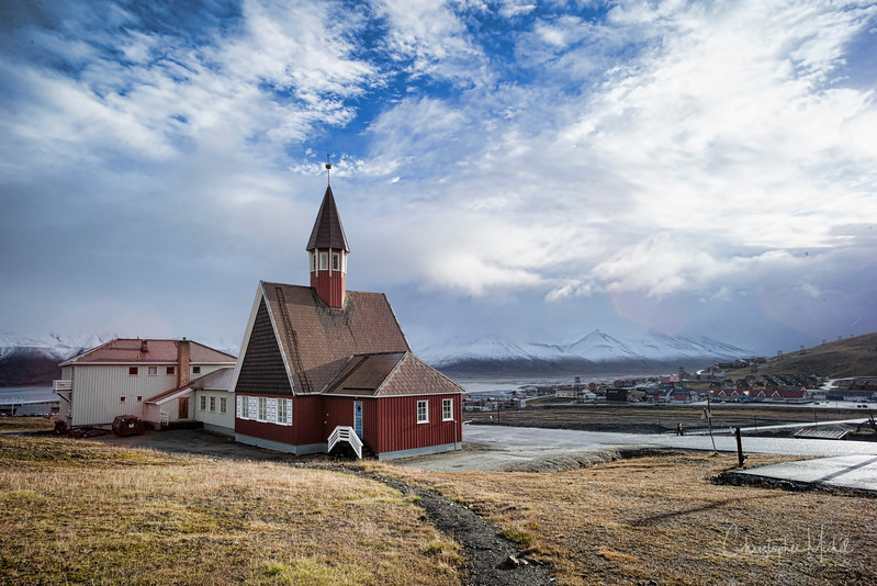 8-28-16169337 Longyearbyen Svalbard.jpg