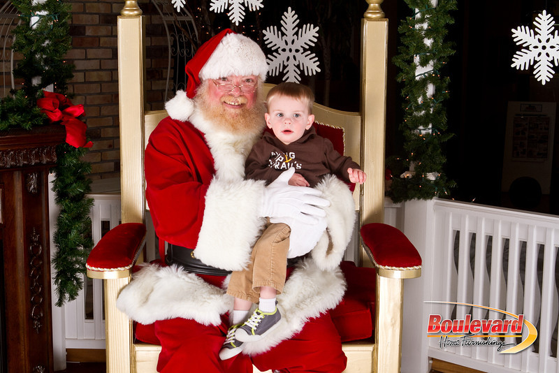 Santa Dec 8-299.jpg