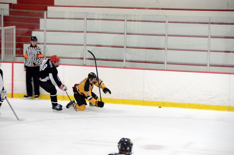 140913 Jr. Bruins vs. 495 Stars-162.JPG