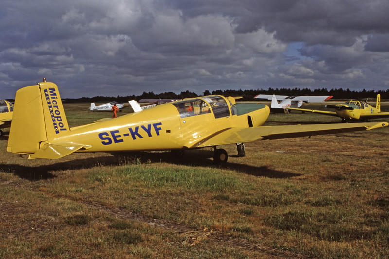 SE-KYF-Saab91DSafir-Private-EKVJ-1998-06-13-FD-02-KBVPCollection.jpg