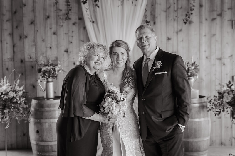 Seattle Wedding Photographer-626.jpg
