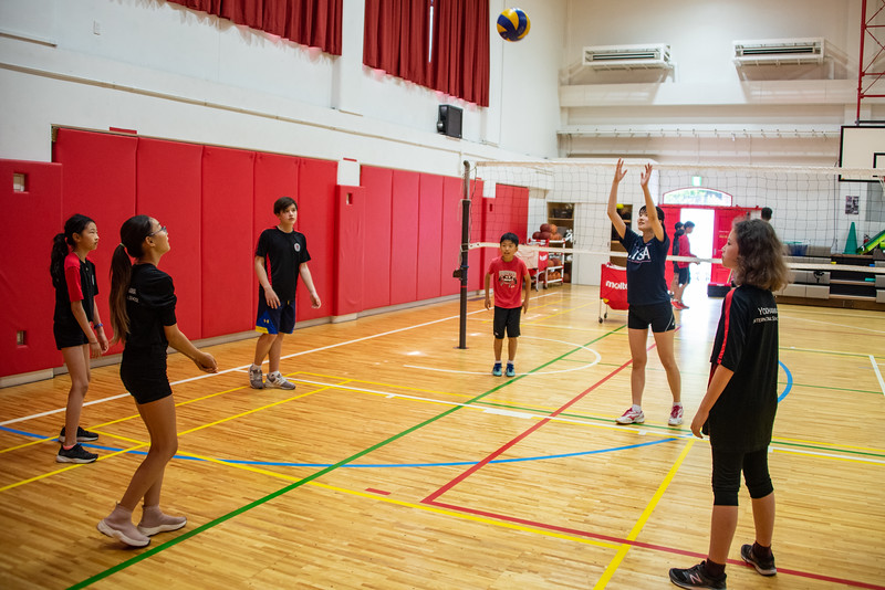 PE Leadership-Gr12 and Gr6 Volleyball Workshops-YIS_2517-2018-19.jpg
