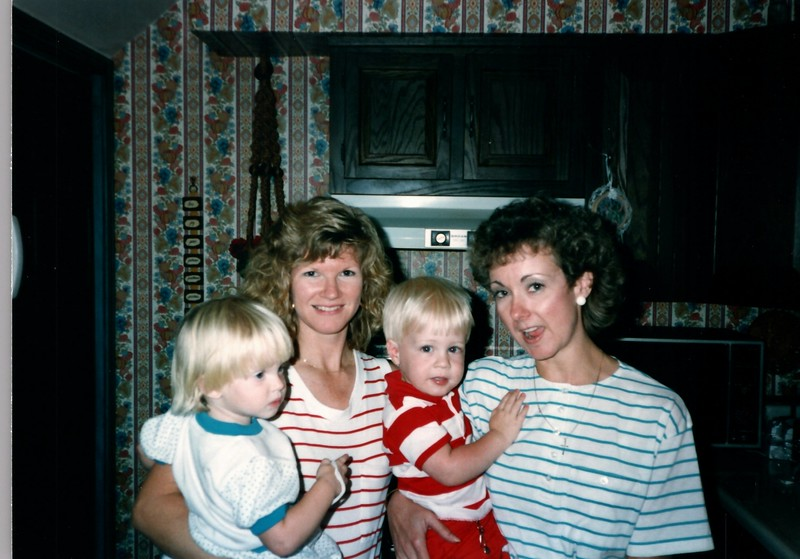 1989_Spring_Amelia_birthday_trip_to_pgh_debbie_0021_a.jpg