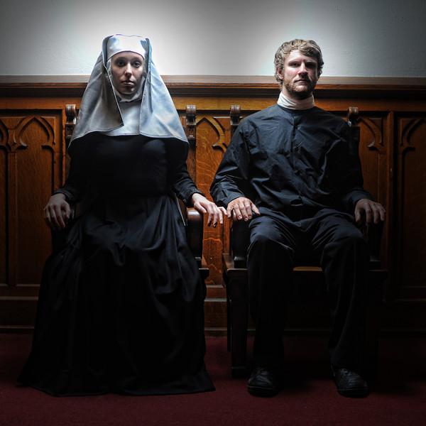 kyle-cassidy-curio-theatre-september-2012-runner-stumbles-001.jpg