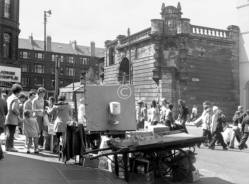 Fruit and veg. stall (R Moore, Pinkston Dr.) at the foot of Albion St. on a Saturday morning. 