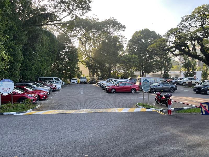 Parking at Lower Peirce Reservoir Park