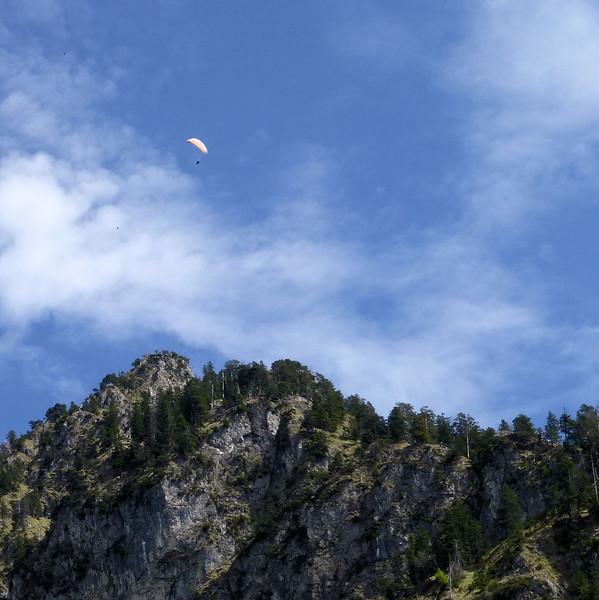 Day2-pre-Neuschwanstein Castle Parasailer.jpg
