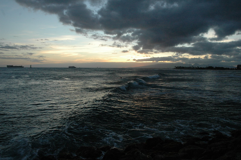 Hawaii - Ala Moana Beach Sunset-82.JPG