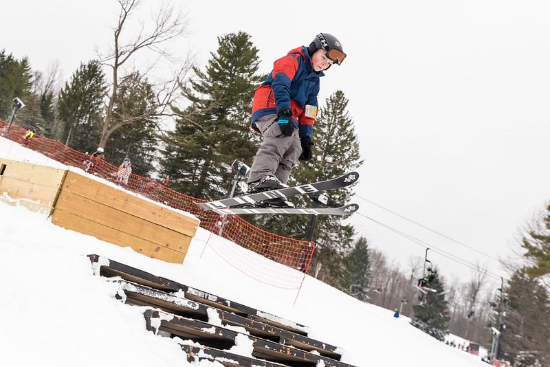 Mid-Season-Party_2017_Snow-Trails-9623.jpg