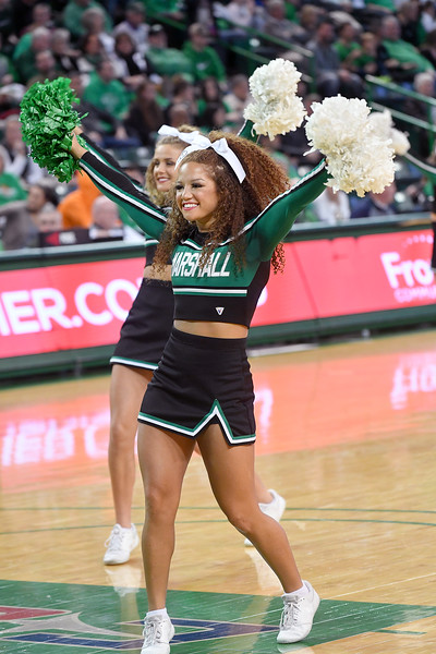 cheerleaders1289.jpg