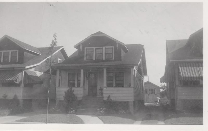 2209 BERWYN 1930.jpg