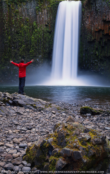 Abiqua_Falls_Mike_In_The_Moment_244.jpg