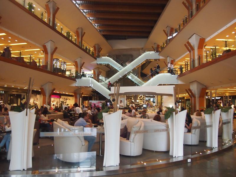 P5228499-iulius-mall-inside.JPG
