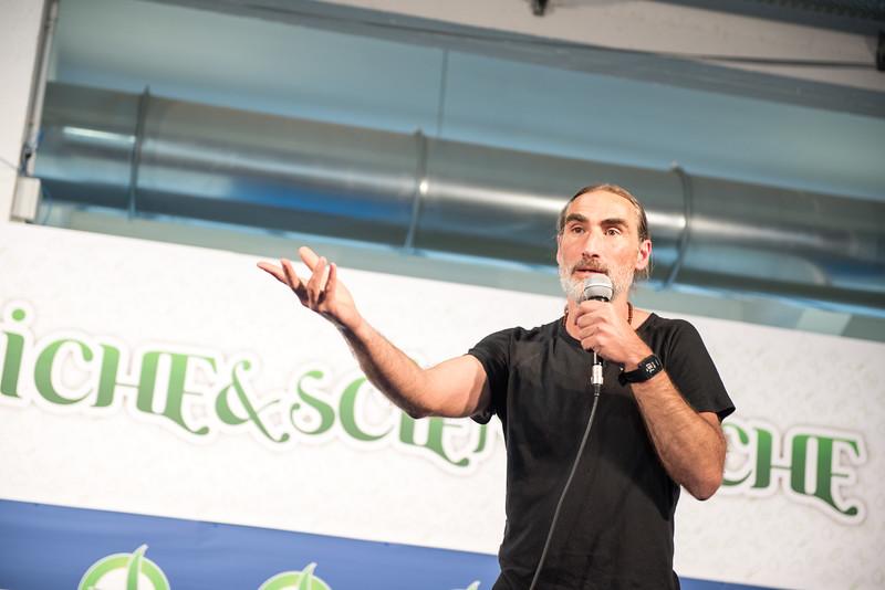 lucca-veganfest-conferenze-e-piazzetta-023.jpg