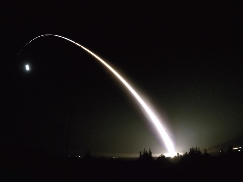 Launch_050317_MinutemanIII_Stacked_2000.jpg
