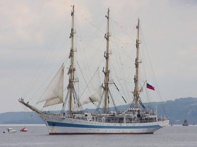 Sailing Ships & Yachts