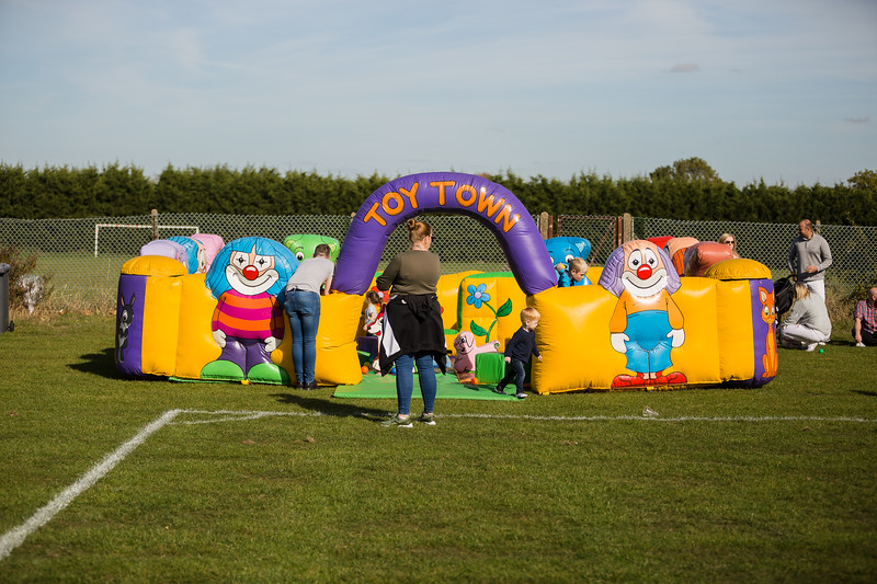 bensavellphotography_lloyds_clinical_homecare_family_fun_day_event_photography (299 of 405).jpg