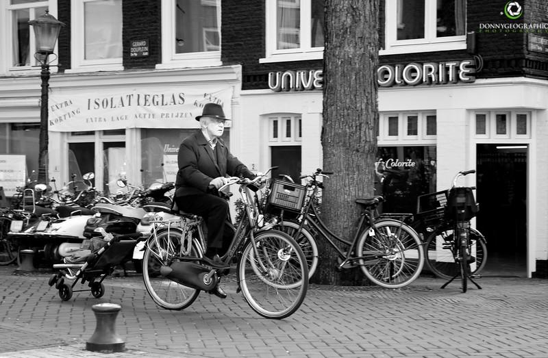 black and white bike.jpg