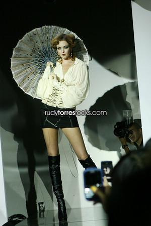 Bebe Edwardian Fashion Show & Arrivals at Marbella Opening 8.12.2009