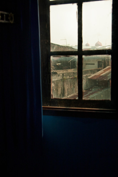 Our hostel was a mad riot of blue and yellow.