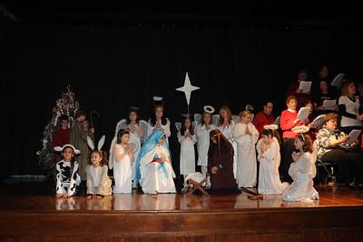 2011-12-18 3rd Gr Nativity @ carolling