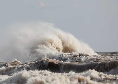 Port Stanley Waves 2018