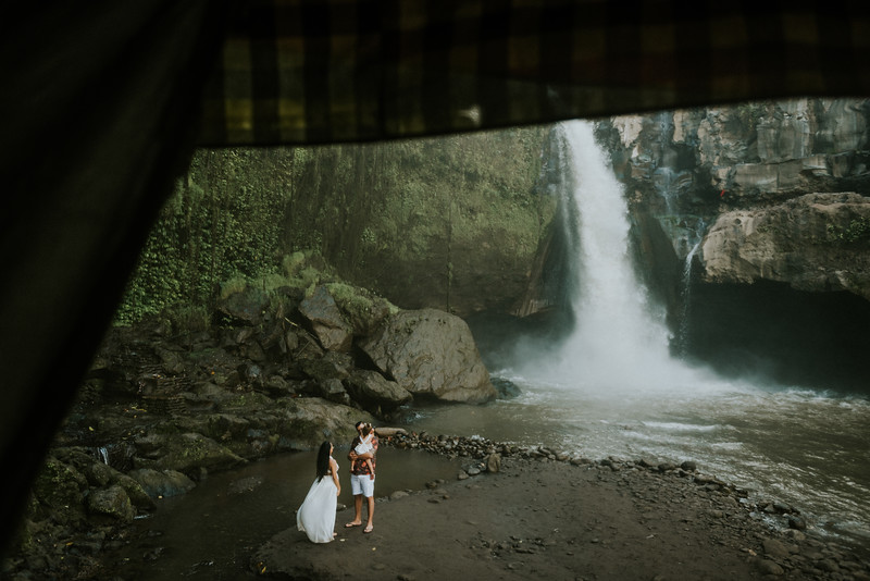 VTV_family_photoshoot_with_waterfall_Bali (57).jpg