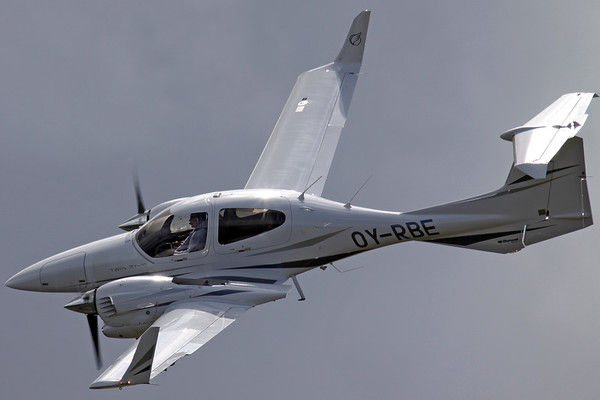 OY-RBE - Diamond DA42 Twin Star