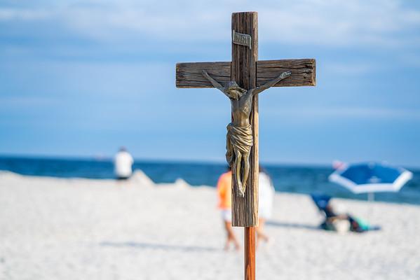 Beach Mass celebrated by Fr. Matthew Browne | 08.01.21