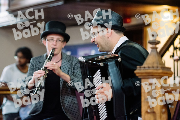 © Bach to Baby 2017_Alejandro Tamagno_Muswell Hill_2017-07-20 027.jpg