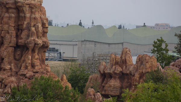 Disneyland Resort, Disneyland, Frontierland, Big Thunder Mountain Railroad, Big, Thunder, St Wars Land, Star, Wars, Land, Construction, Wall