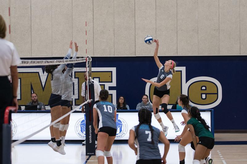 HPU Volleyball-91655.jpg