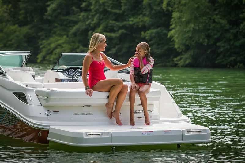 2015-SeaRay-220SD-1854.jpg
