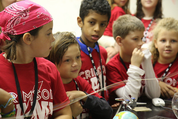 Homecoming Science Show for Crimson Camp