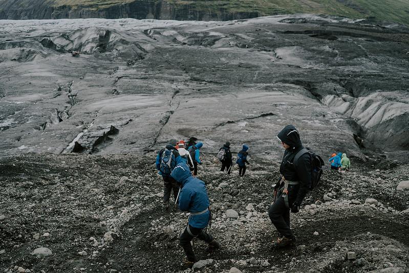 Tu-Nguyen-Destination-Wedding-Photographer-Iceland-Elopement-Fjaðrárgljúfur-16-167a-39.jpg