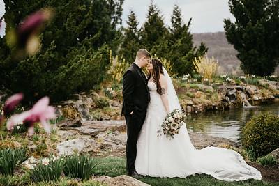 Lynn and Garrett Wedding Sneak Peek