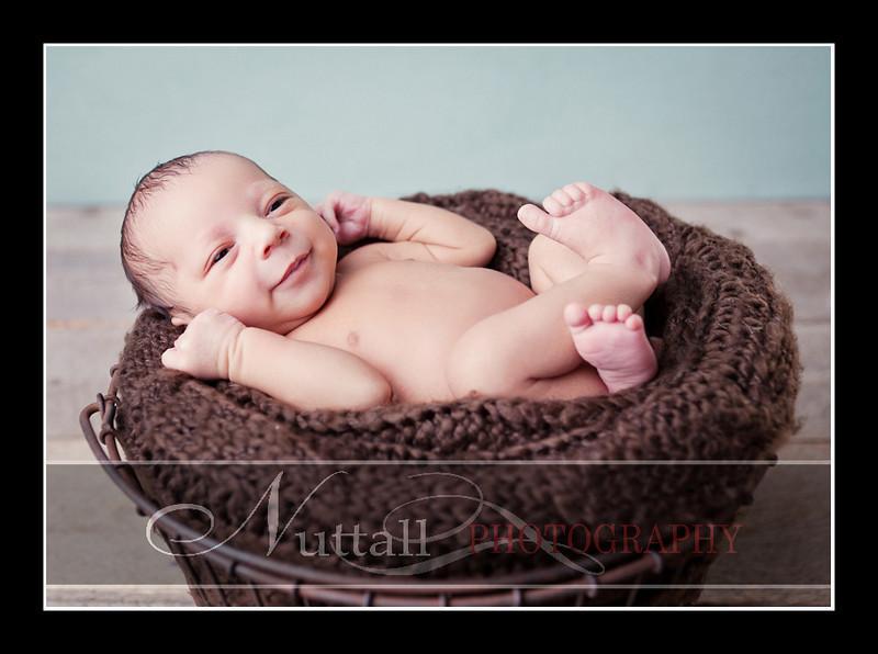 Noah Newborn 16.jpg