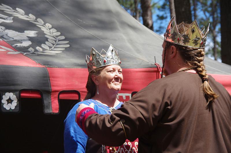 Jon crowns Emma queen