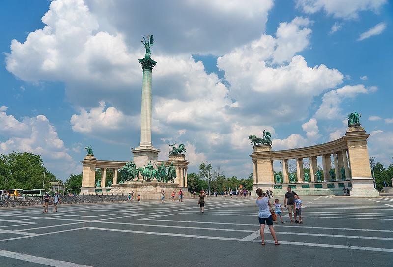 Europe-Hungary-Budapest-Heroes-Square-4221.jpg