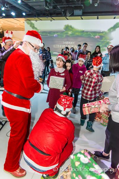 [20161224] MIB Christmas Party 2016 @ inSports, Beijing (144).JPG