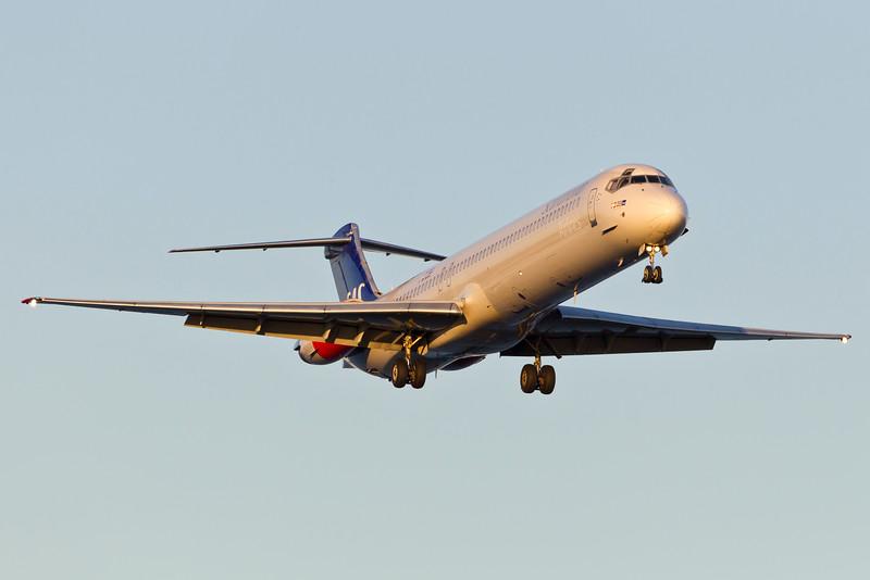 OY-KHM-MD-82-SAS-CPH-EKCH-2011-10-15-_O7F6509-DanishAviationPhoto.jpg