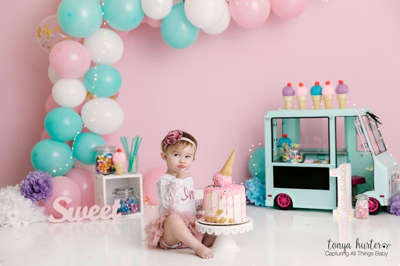 Tonya-Hurter-Photography-Copyright-2019-Newborn-Raleigh370A2759-Edit_.jpg