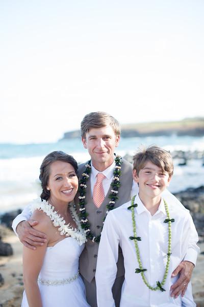 gillin beach kauai wedding-176.jpg