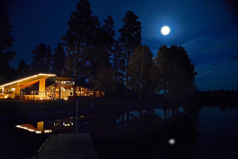 Keown-Kate-Thomas_Noisy Moonlight at Lodge_KTK8338-6x9.jpg