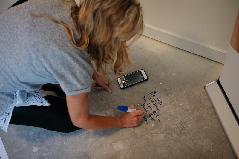 floor_signing_stjude-12.jpg