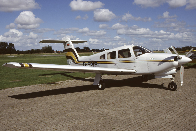 D-EPIE-PiperPA-28RT-201TTurboArrow-Private-EDXB-2004-08-22-OB-19-KBVPCollection.jpg